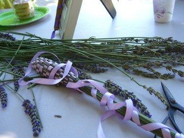 Make Lavender Wands